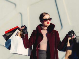 tilbud på tøj til kvinder